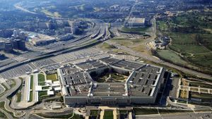 How many people work in the Pentagon?