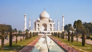 What Materials Were Used to Construct the Taj Majal?