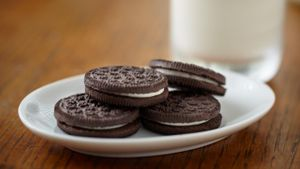 What Is the Middle of an Oreo Made Of?