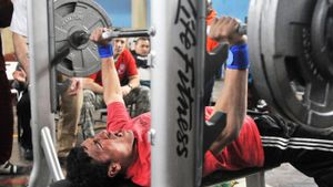 How Much Does a Bench-Press Bar Weigh?