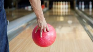 How Much Money Do Professional Bowlers Make?