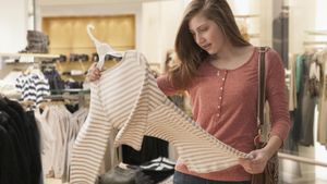 How much money do teenagers spend on fashion?