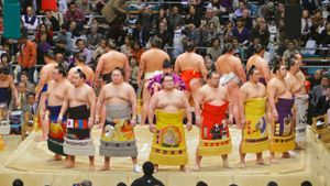 How Much Does a Sumo Wrestler Weigh?