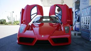 Is Ferrari Enzo Legal in the US?
