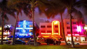 How Old Do You Have to Be to Go to a Nightclub in South Beach?