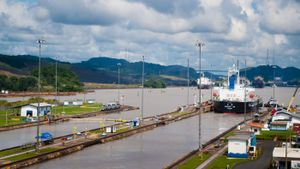 Who Owns the Panama Canal?