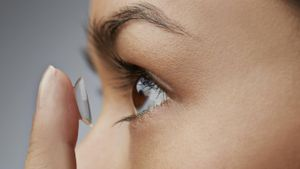 What are progressive contact lenses?