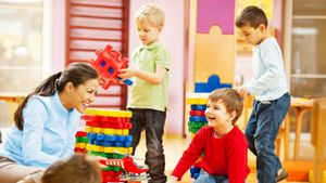 What are the pros and cons of day care?