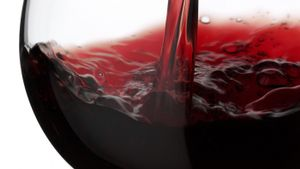 What are some red, semi-sweet wines?