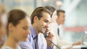 What Is the Role of a Customer Service Adviser?