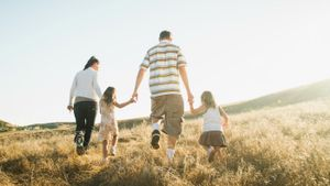 What are the roles of each family member?