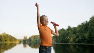 When Is It Safe for a Child to Begin Lifting Weights?
