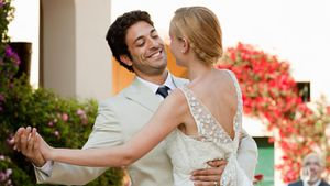 What Should Someone Write in a Wedding Card for His or Her Daughter and Son-In-Law?