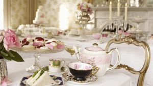 What Should You Wear to a Tea Party?