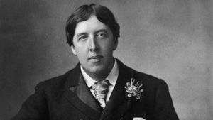 "What themes are expressed in ""The Happy Prince"" by Oscar Wilde?"