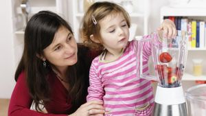 What Is a Typical Hourly Rate for Babysitting?