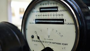 What Is a Voltmeter Used For?