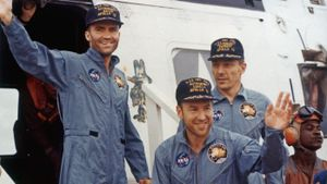 What Went Wrong With Apollo 13?