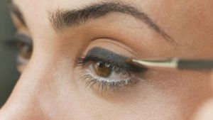 What dangerous chemicals are in eyeliner?