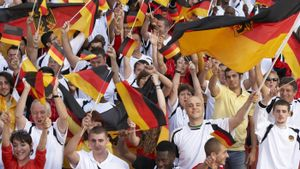 What Do the Colors of the German Flag Represent?