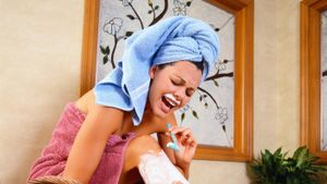 What Is a Home Remedy to Soothe Razor Burn?