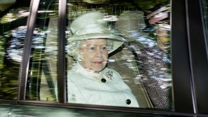 What Is the Current Queen of England's Surname?