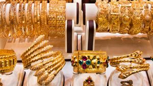 What is the difference between gold-filled jewelry and gold-plated jewelry?
