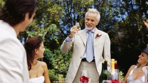 What Are the Responsibilities of the Father of the Bride?