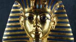When did Tutankhamen die?