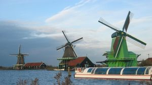 How Does a Windmill Produce Electricity?