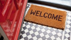 How Do You Write a Welcome Letter?