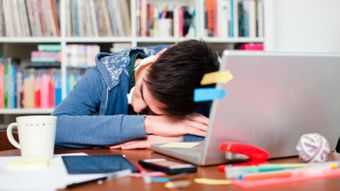 How Much Sleep Does the Average College Student Get Each Night?