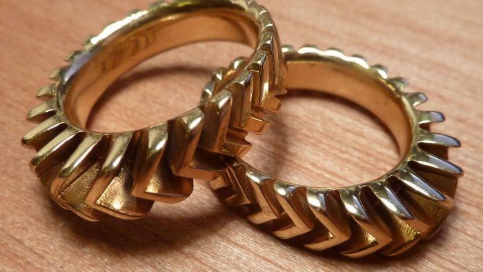 What is 825 jewelry?