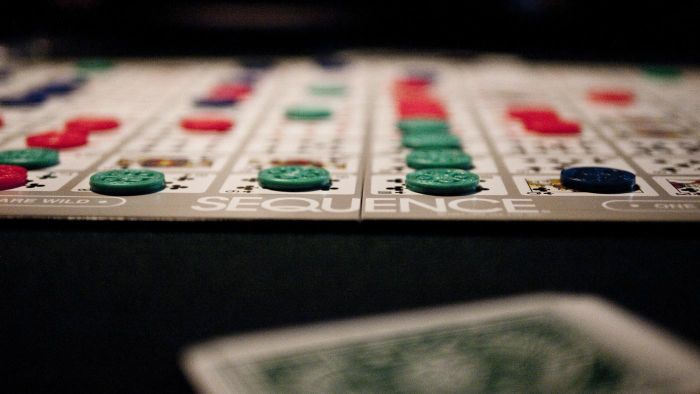 How do you make a sequence board game?