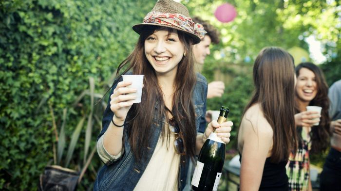 Can You Drink Alcohol While Taking Cefdinir?