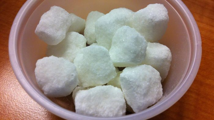 What can I use to glue sugar cubes together?