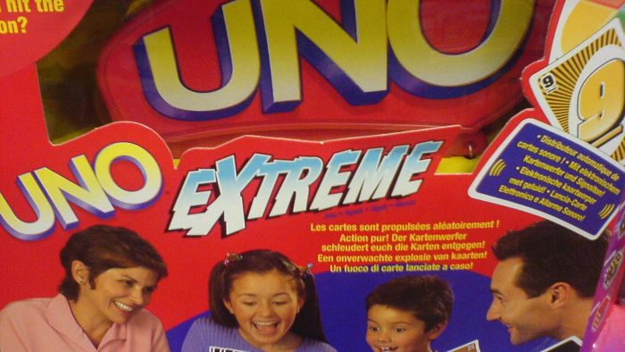 "How do you play ""Uno Extreme""?"