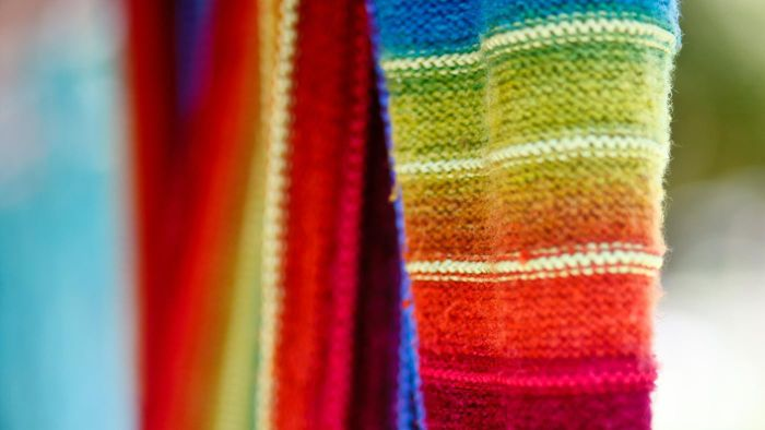 What Is the Difference Between Knitted and Woven Fabric?