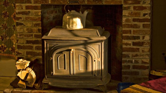How Do Antique Kitchen Wood Stoves Work?