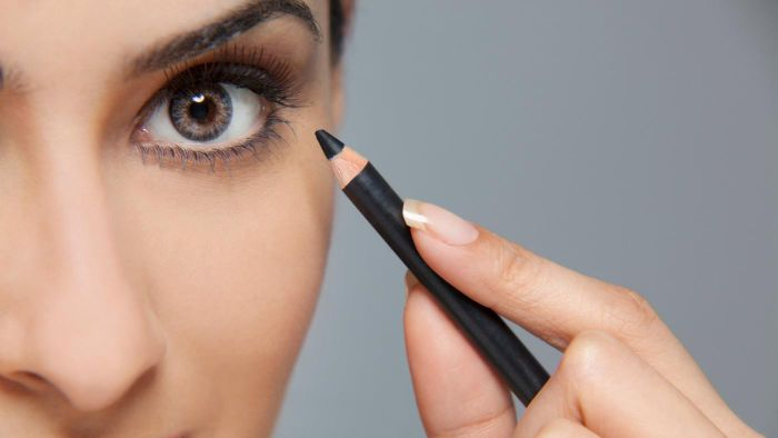 How Do You Apply Eyeliner so It Stays All Day?