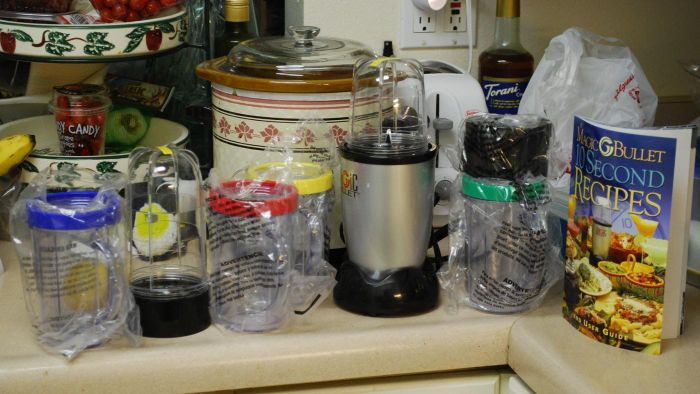 What Attachments Come With the Magic Bullet Blender?