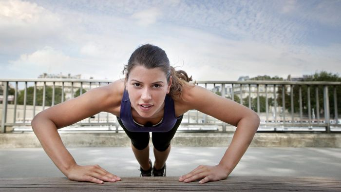 Which Is Better, Five Sets of 50 Pushups or 10 Sets of 25 Pushups?