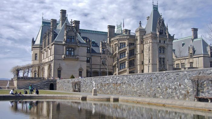 What are some facts about the Biltmore mansion?