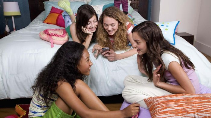 What Are Some Birthday Slumber Party Ideas?