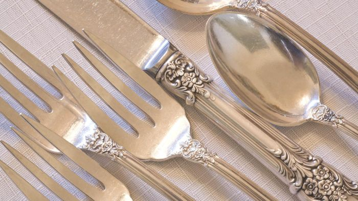 Can Baking Soda Be Used to Clean Sterling Silver?