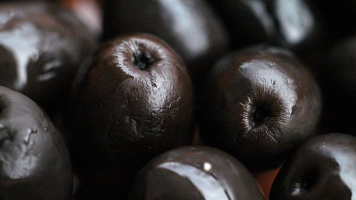 Can You Freeze Black Olives?