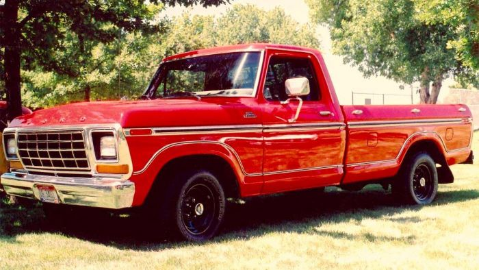 Where Can Old Ford Trucks Be Found for Sale?