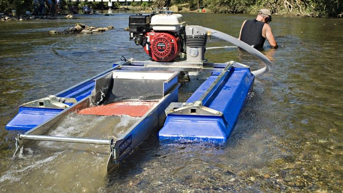 Where Can You Find Online Plans for Building a Gold Panning Sluice Box?