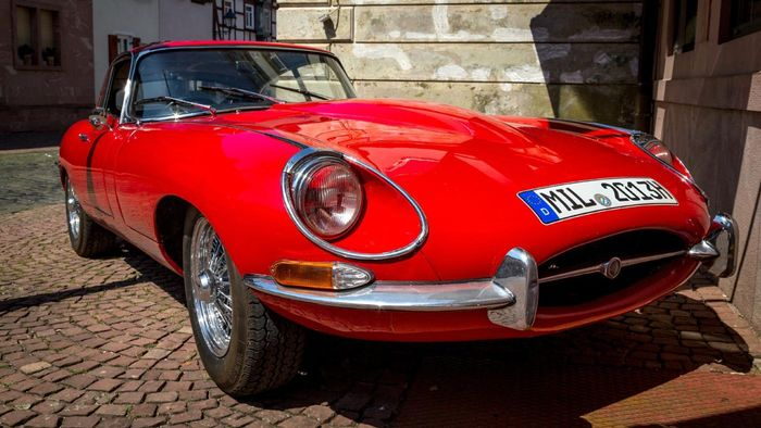 How can you sell your Jaguar?