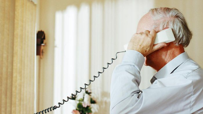 How Can Seniors Benefit From Having a Landline Phone?